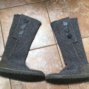 Grey cardy ugh boots